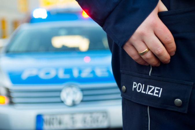 255982 polizei 35
