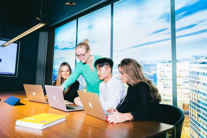 461144 Tio JOB monitor Commercieel Business Management
