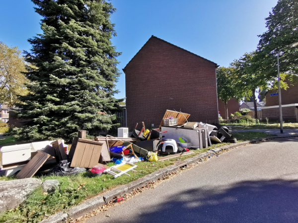 Dumping huisraad afval twente milieu handhaving