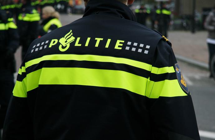 48193 Politie nieuwe uniform 2