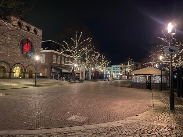Oude Markt avondklok Coen Krukkert