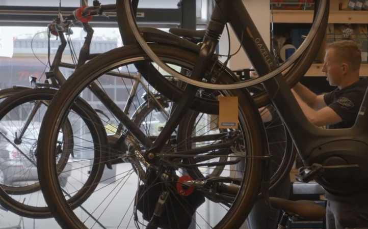 460633 fietsen 2
