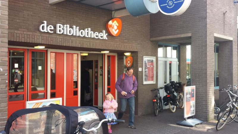 Ingang Bibliotheek Enschede Foto RTV Oost