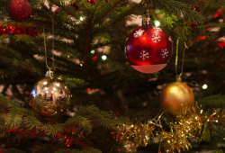 373039 christmas baubles 1078996 1920