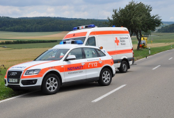 354885 duitsland redding ambulance rode kruis 3