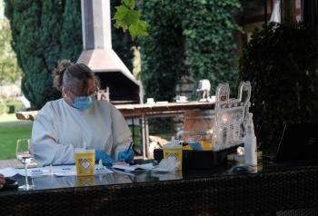 Bedrijven beginnen eigen Coronatestlocatie  Foto: Ernst Bergboer