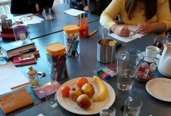 Vrouwengroep hengelose es tafel foto ingrid scherphof