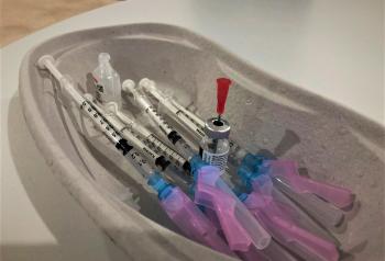 Pfizer Vaccin Laura Ratering
