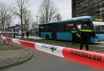 Voetganger geschept bus Zuiderval New United Dennis Bakker